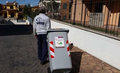 Spostamento di contenitori carrellati condominiali della differenziata